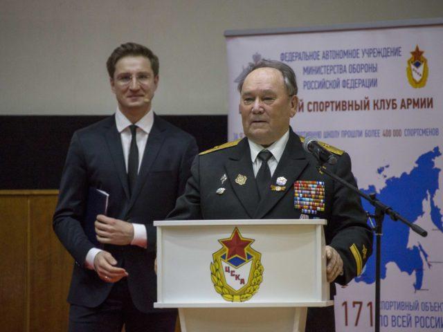 Контр-адмирал флота Винник и Роман Акимов