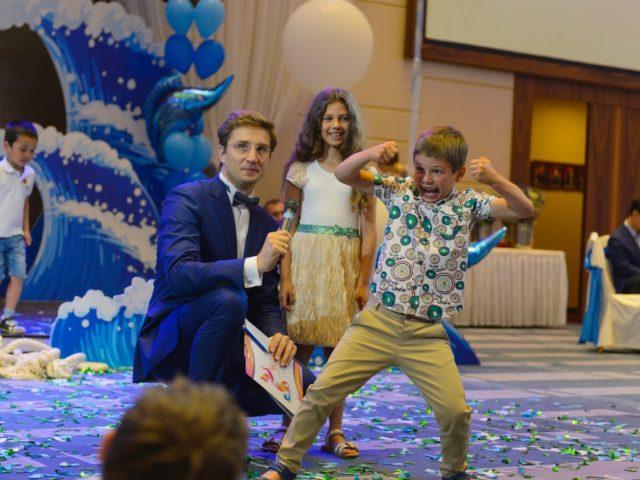 Роман Акимов с детьми