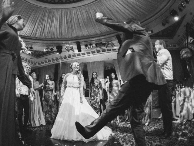 Танцы на азербайджанской свадьбе