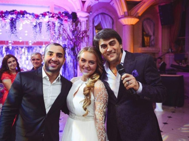 Сархан Сархан на свадьбе в Немчиновке