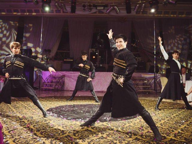 Настоящие кавказские танцы на свадьбе