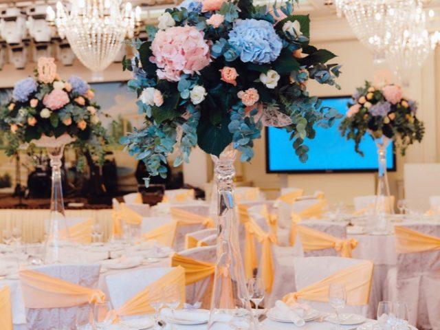 Флористические композиции на столы гостей