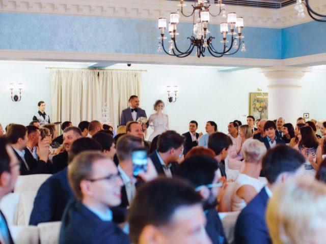 Появление невесты с папой в Колонном зале