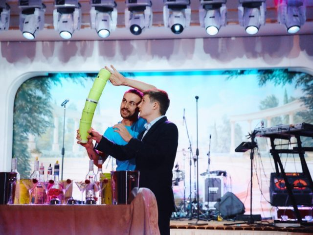 Бармен-шоу на свадьбе