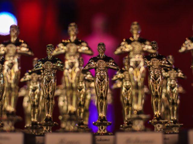 Статуэтки свадебного Оскара