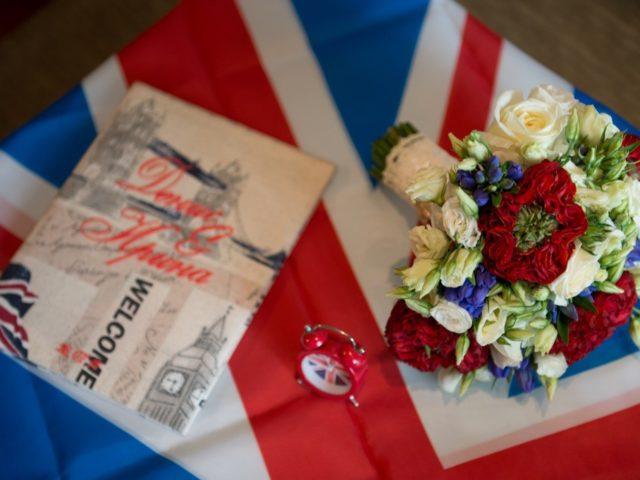 Аксессуары свадьбы в британском стиле