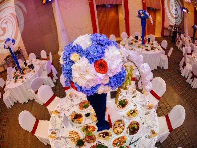 Оформление столов на английской свадьбе