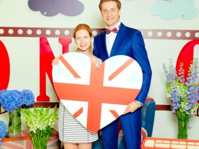 Фотозона на британской свадьбе