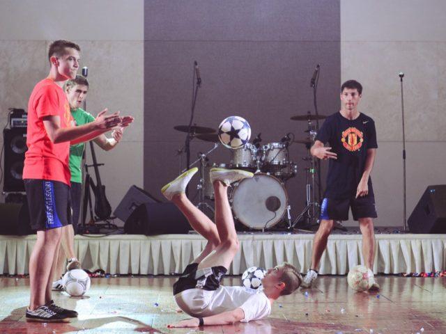 Футбольный фристайл на тематической свадьбе