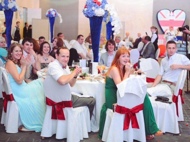 Гости и свадебный декор