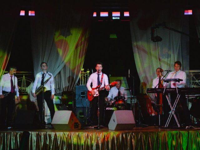 Валерий Сюткин на сцене Немчиновка-парк отеля