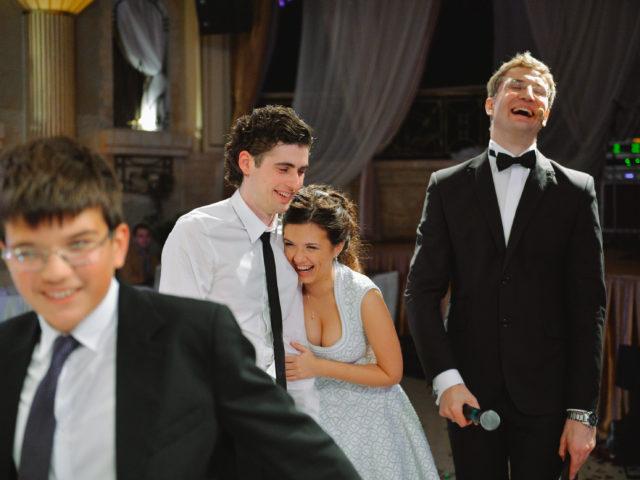 Ведущий Роман Акимов на свадьбе
