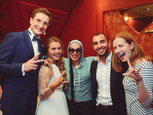 Наргиз Закирова на кавказской свадьбе