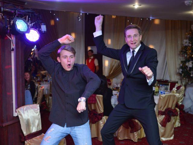 Танцевальный батл Gangnam Style