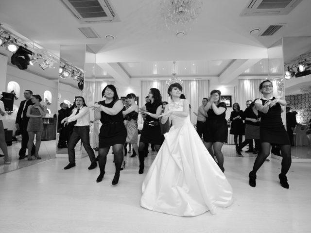 Танец Гангнамстайл с флешмобом