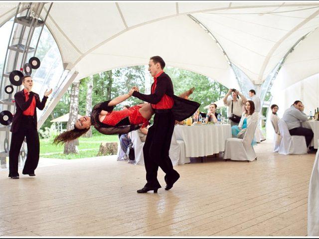 Акробатический рок н ролл на свадьбе