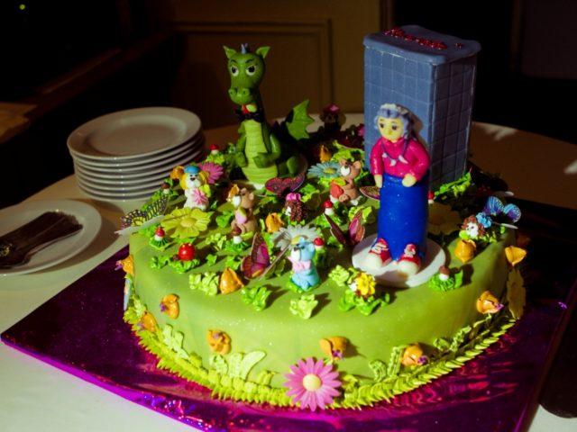 Свадебный тематический торт