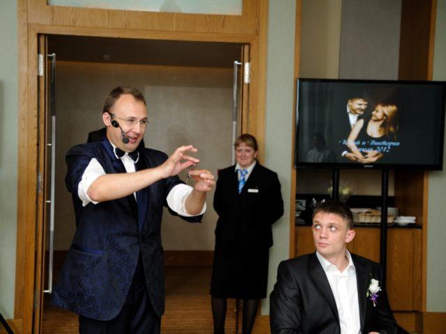 Выступление иллюзиониста на свадьбе в зале Давос