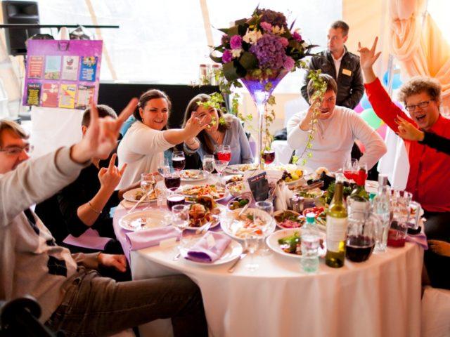 Гости на рок свадьбе отжигали не по детски