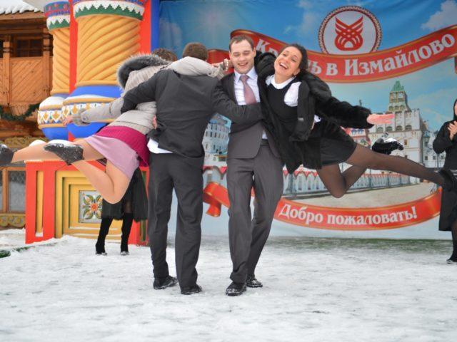 Флешмоб Gangnam Style у Измайловского Кремля