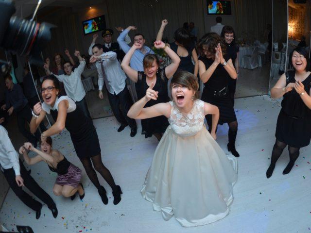 Полный отрыв на свадебном танцполе
