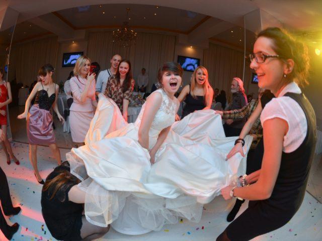 Сумасшествие на свадебном танцполе