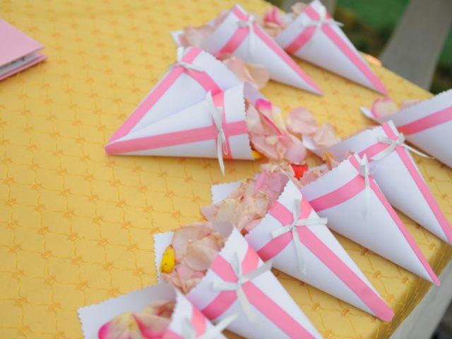 Кулёчки с лепестками роз