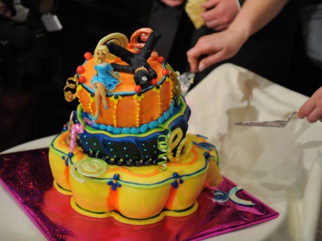 Торт на современной свадьбе