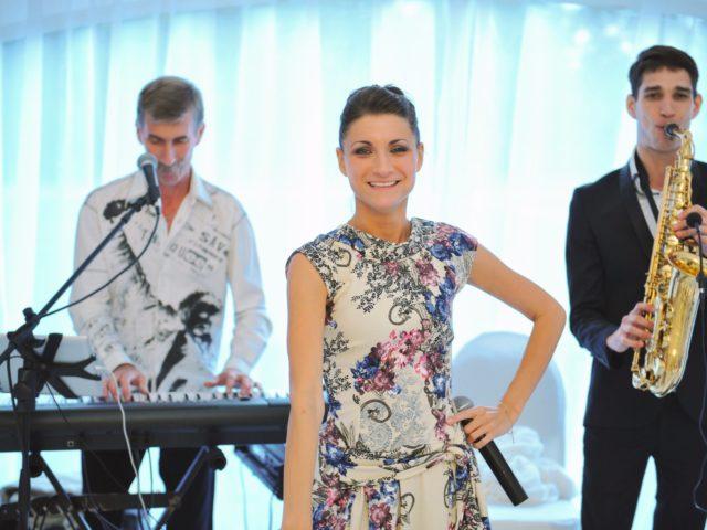 Музыкальная группа на мероприятии