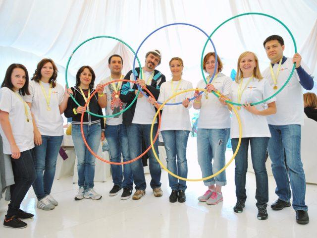 Олимпийские кольца в исполнении победителей тимбилдинга