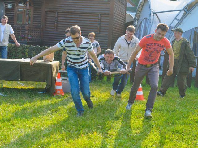 Армейский тимбилдинг транспортировка раненых