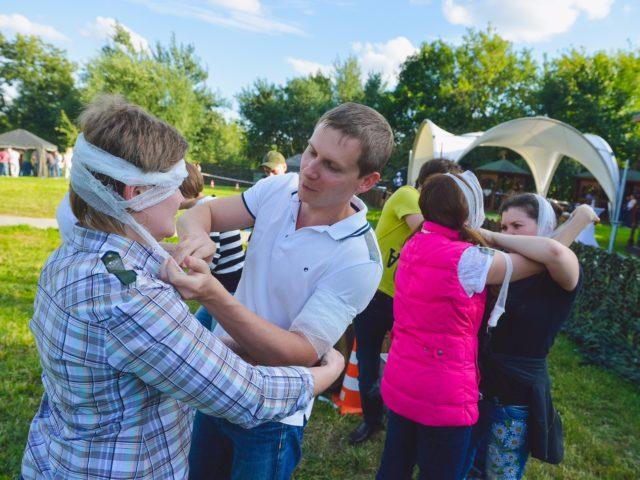 Конкурс по перевязке раненых с фантами частей тел