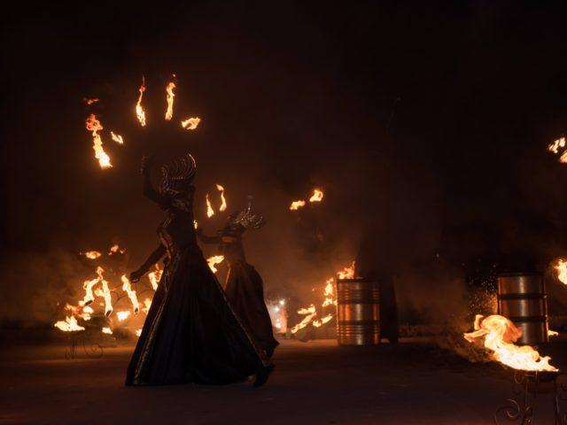 Роскошное тематическое огненное шоу