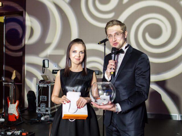 С Дарьей Ведяшкиной за последние пару лет мы разыграли десятки призов от DoubleTree by Hilton