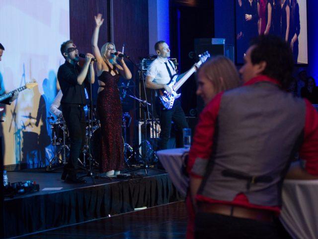 Выступление кавер группы Грязные Танцы на клиентском мероприятии в DoubleTree by Hilton Marina