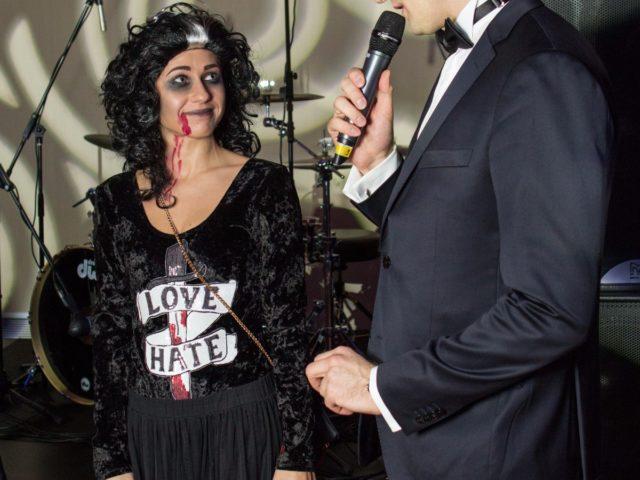 Гостья клиентского мероприятия в стиле Halloween