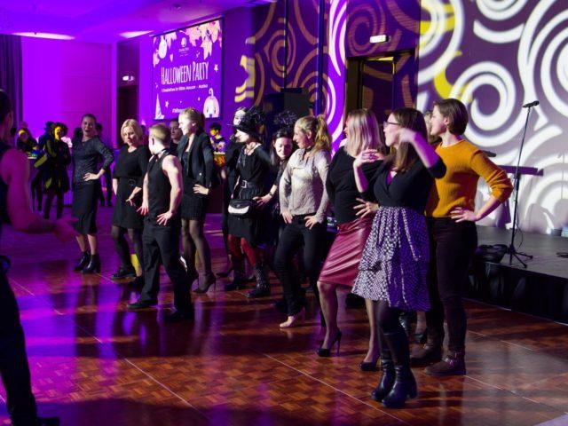 Танцевальный мастер класс для гостей флешмоб