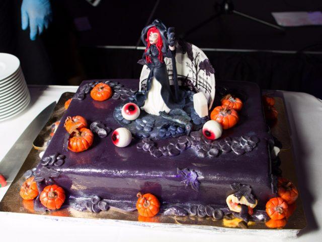 Тематический торт на Halloween