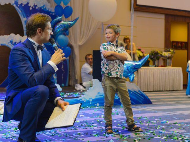 Юный гость в конкурсе у ведущего Асянди