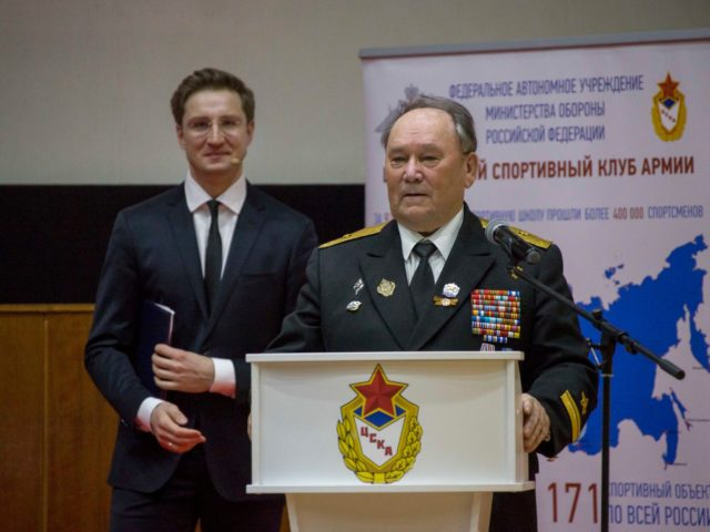 Контр адмирал флота Винник и Роман Акимов