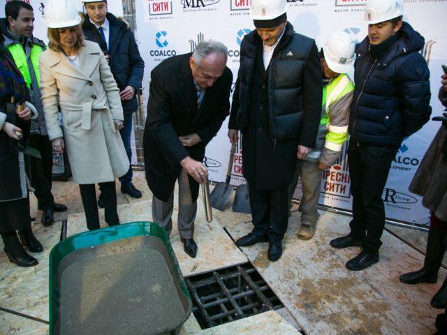 Капсула времени отправляется в первый куб бетона ЖК Пресня Сити