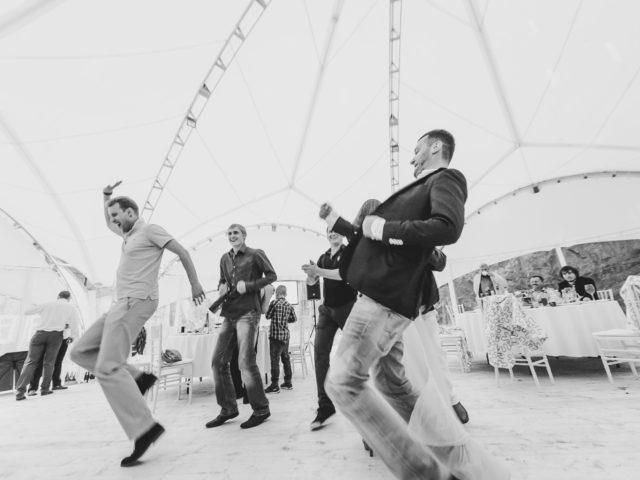Танцевальный батл на корпоративном мероприятии