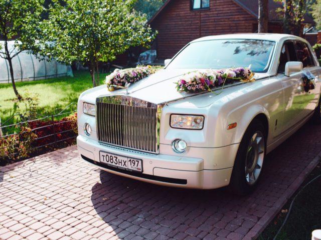 Роскошный Ролс Ройс на свадьбе