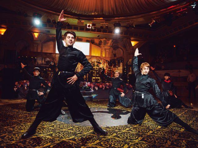 Эффектные кавказские танцы на свадьбе в Немчиновка парк