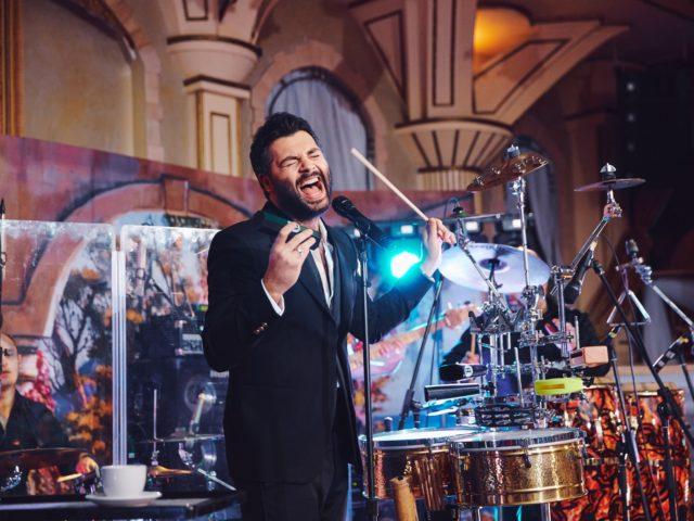 Выступление певца Алексея Чумакова на свадьбе в Немчиновке