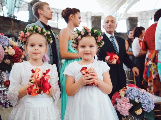 Красивые дети на красивой свадьбе