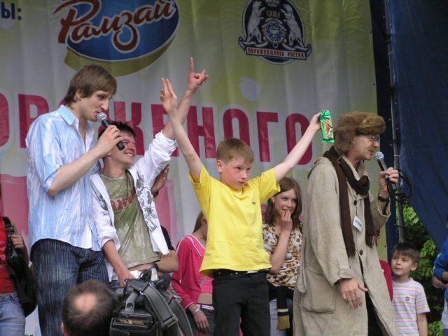 Роман Акимов и почтальон Печкин проводят блок мороженого Альтервест
