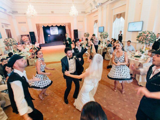 Танцевальный мастер класс от шоу балета на свадьбе