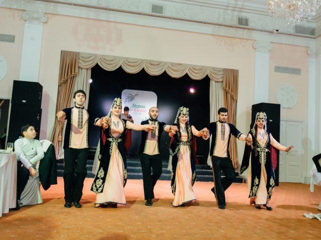 Армянские танцы на свадьбе это традиция. Танец Шалахо