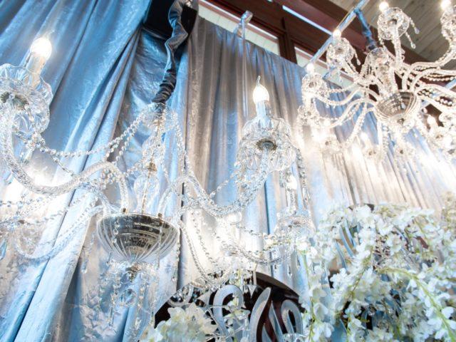 Элемент свадебного декора в ресторане Шале